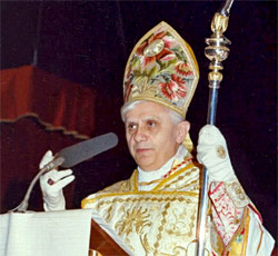 Cardinal Ratzinger preaches at a Traditional Latin Mass
